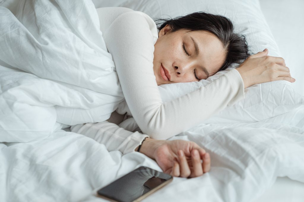 Getting enough sleep is a habit practiced  y the rich
